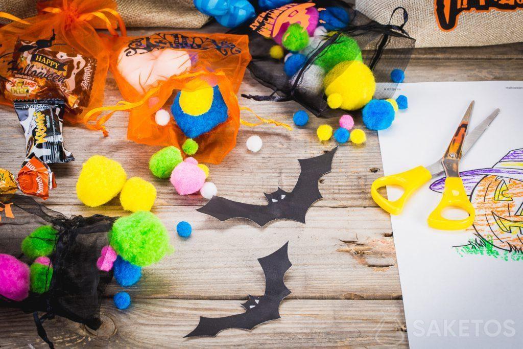 Dekorative Halloweensäckchen nicht nur zum Aufbewahren von Süßigkeiten, sondern auch von sonstigen Kleinigkeiten.