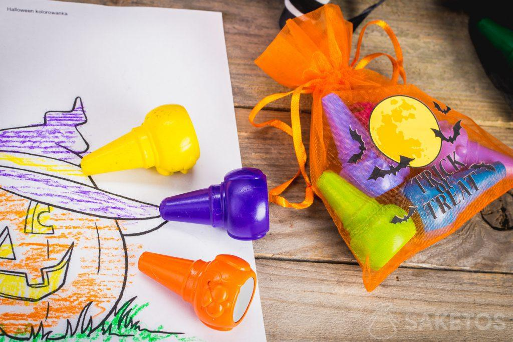Dekorative Halloweenbeutel eignen sich perfekt als Deko-Element