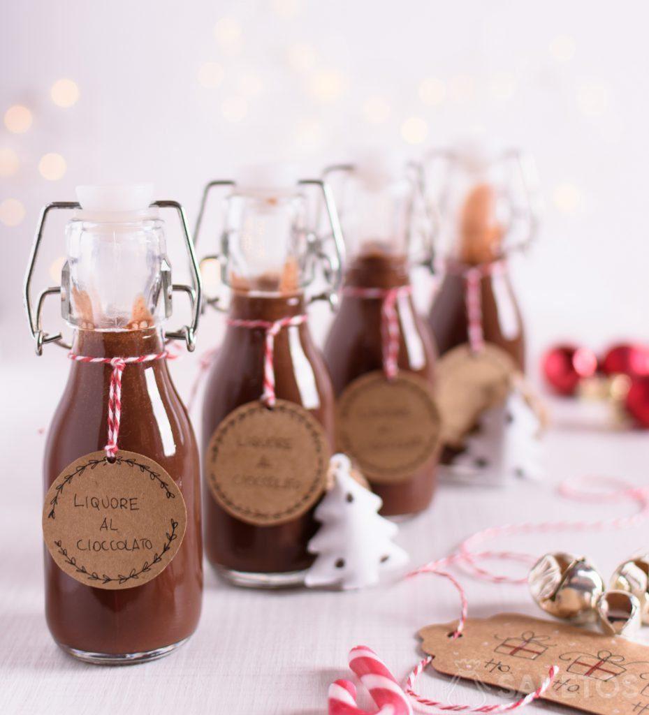 Likör ist ein perfektes Geschenk für Hochzeitsgäste oder als Weihnachtsgeschenk