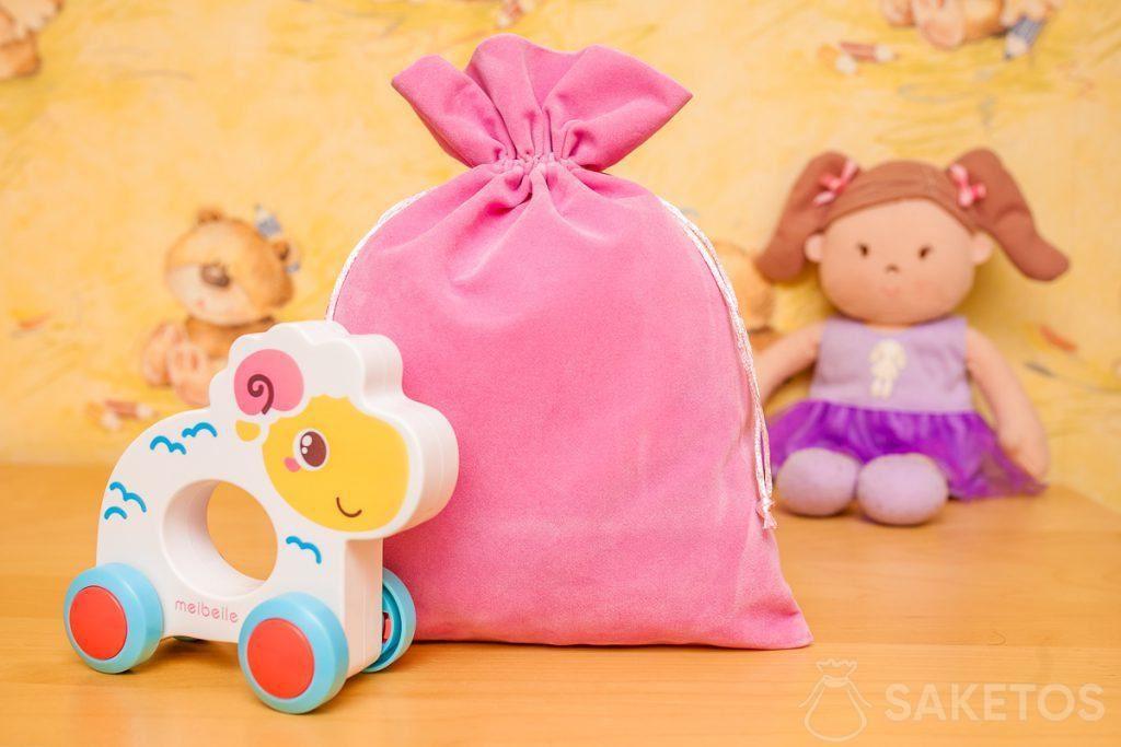 4.Beutel aus Veloursstoff eignen sich hervorragend zur dekorativen Aufbewahrung von Spielzeug