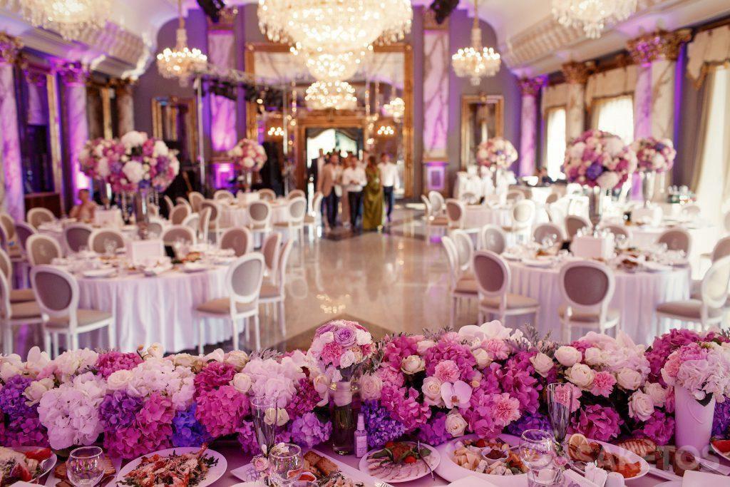 3.Die Leitfarbe der Hochzeit - wie schmückt man den Hochzeitssaal?