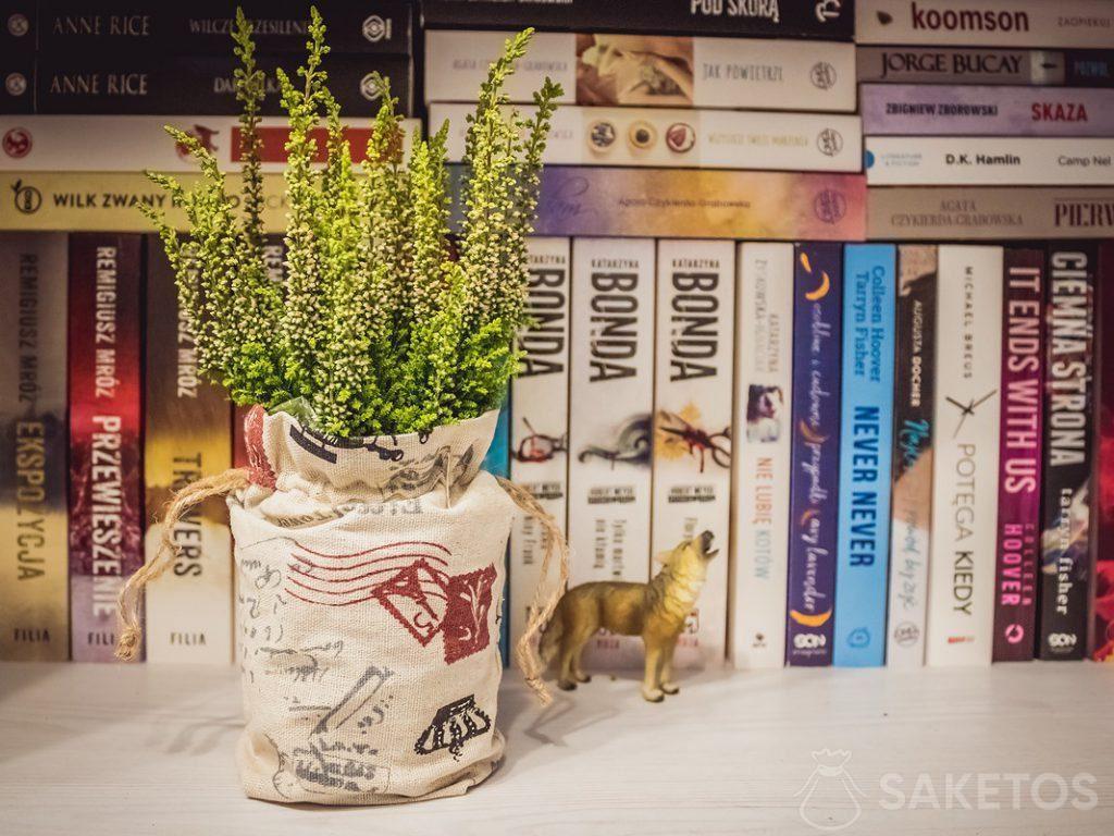 6.Leinenbeutel als Dekoration für Blumentöpfe und als Verpackung von Geschenken, die an Hochzeitsgäste gerichtet sind