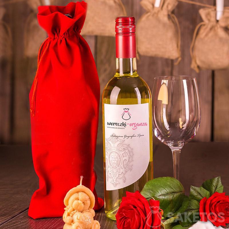 7.Roter Veloursbeutel für Wein 16 x 37 cm.