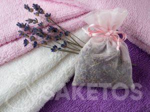 Lavendelduftbeutel verleiht den Handtüchern einen schönen Duft und schützt vor Motten