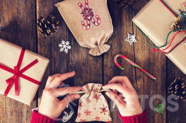 Stoffbeutel sind die perfekte Antwort auf die Frage, wie man ein Weihnachtsgeschenk schön verpackt