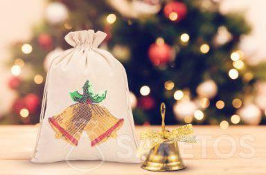 Weihnachtssäckchen mit einer Paillettenapplikation