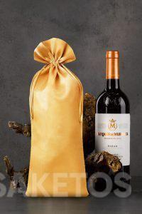 Eine Tasche mit den Maßen 16 x 37 cm für eine Weinflasche