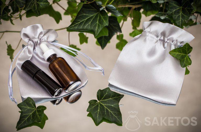 Elegante Satin-Kosmetiksäckchen